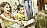 Cuki fotó: Oláh Gergő gyerekei is kampányolnak