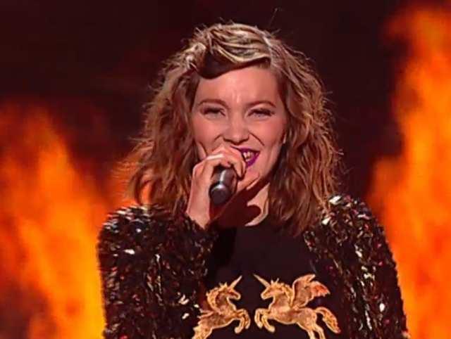 ÍV: Fire – A Dal 2015 döntő