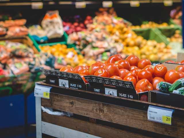 Zölcsibölcső zöldség-gyümölcs üzlet